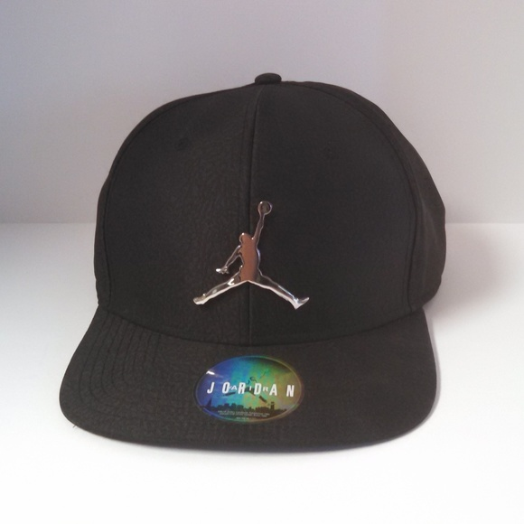 Jordan Other - Men s Jordan Jumpman Snapback Hat Black ebebdb56701e